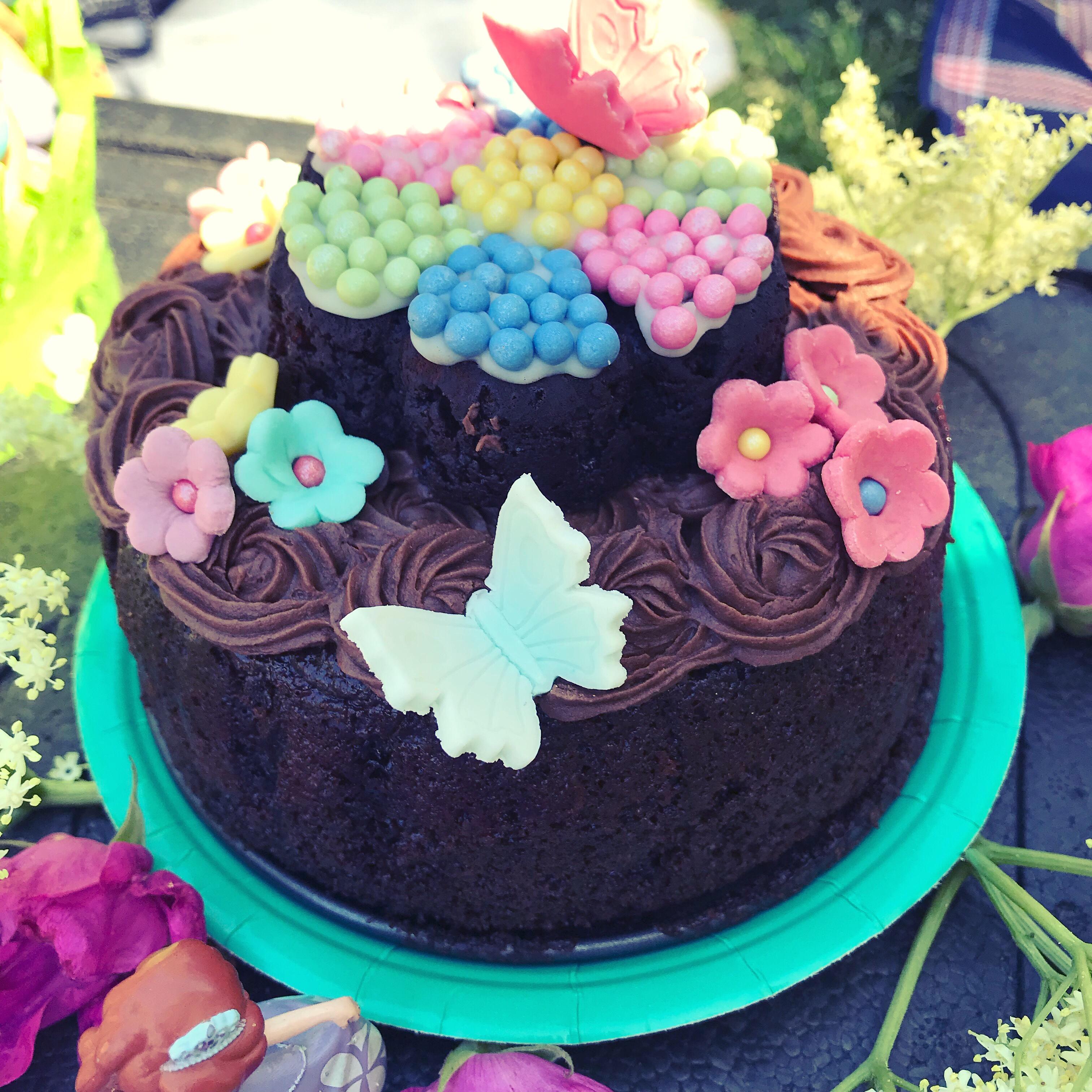Chokladig blomtårta