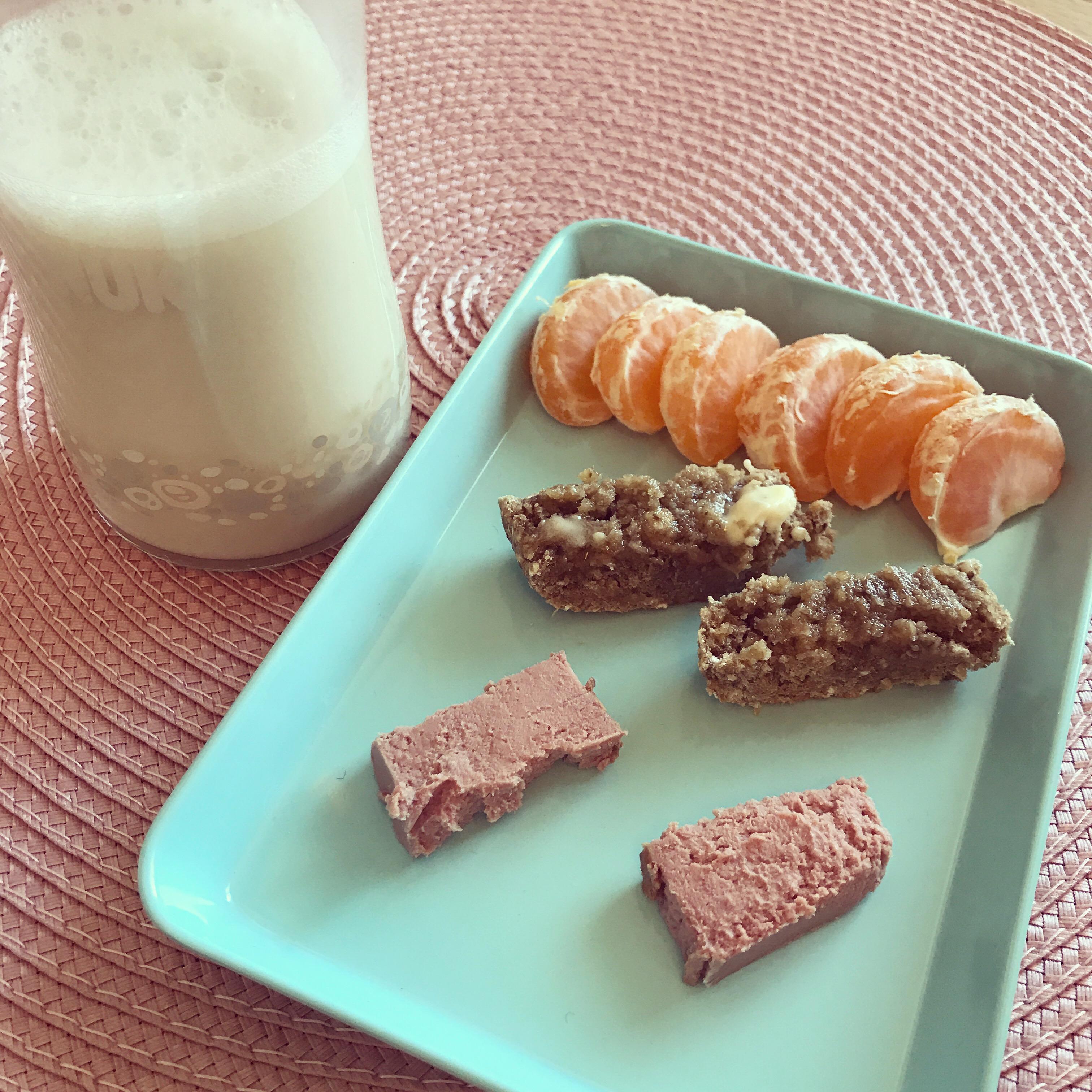 Frukost med välling och macka